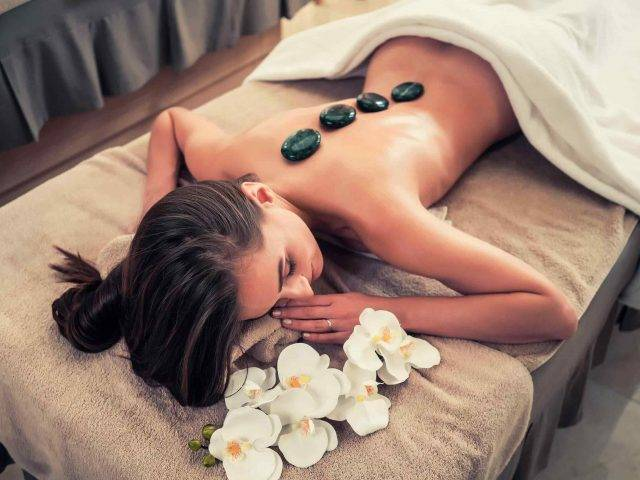 https://www.noscars.co.in/wp-content/uploads/2018/10/spa-stone-massage-3-640x480.jpg